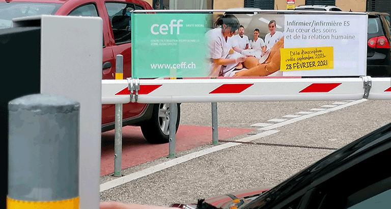 Affichage exclusif 100% visibilité entrée parking visiteurs