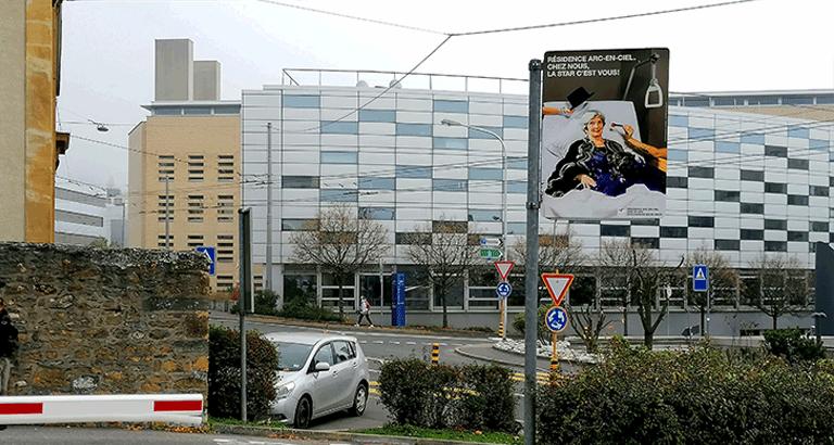 Affichage exclusif 100% visibilité sortie parking visiteurs